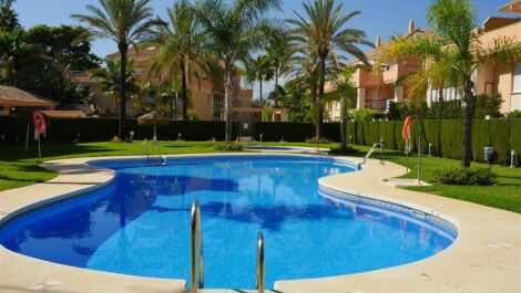 2 bedroom Apartment for sale in Las Chapas – R3679940