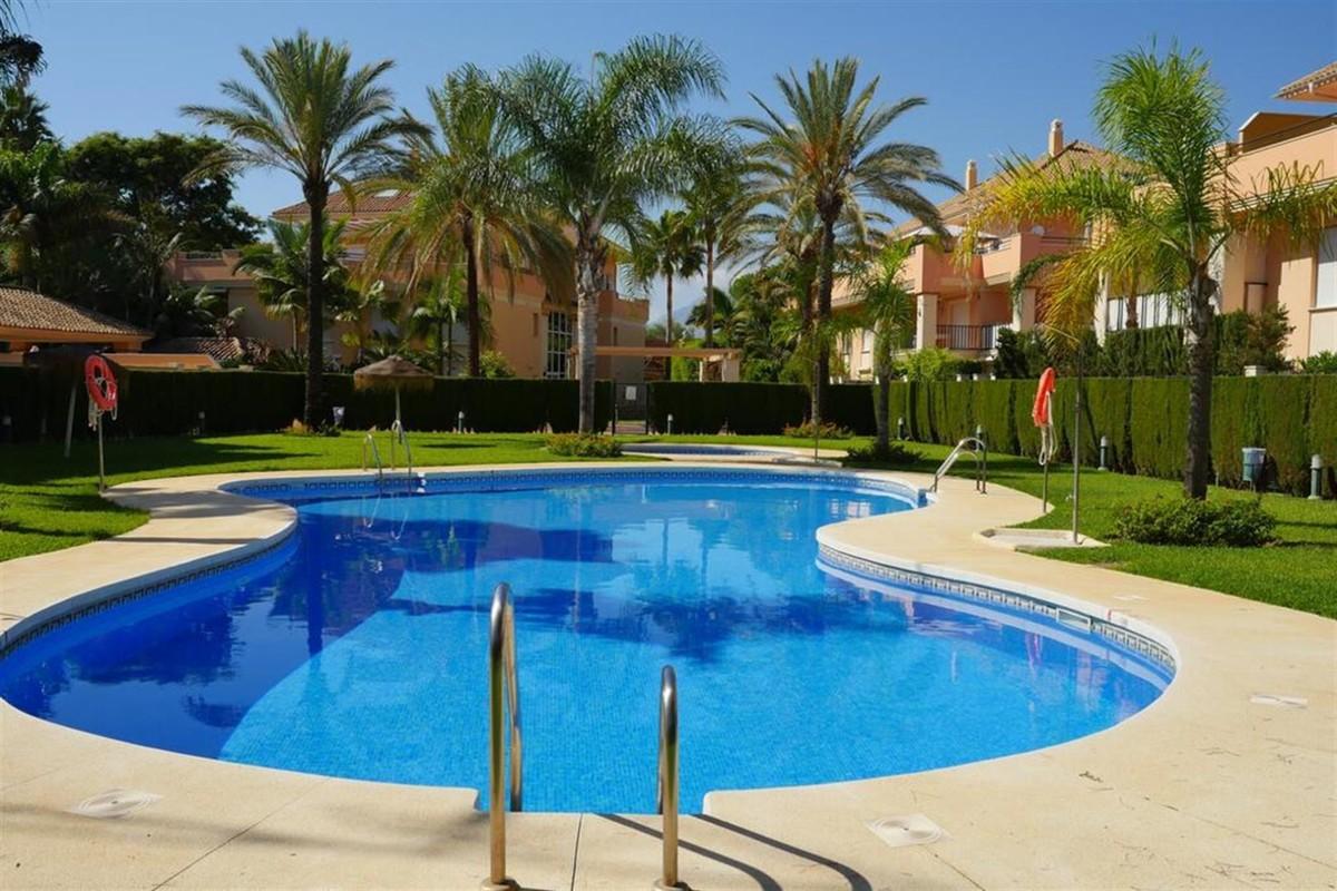 Apartamento de 2 dormitorios en venta en Las Chapas – R3679940