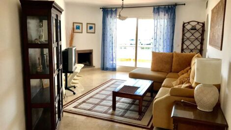 Atico de 3 dormitorios en venta en Guadalmina Alta – R2920226 en