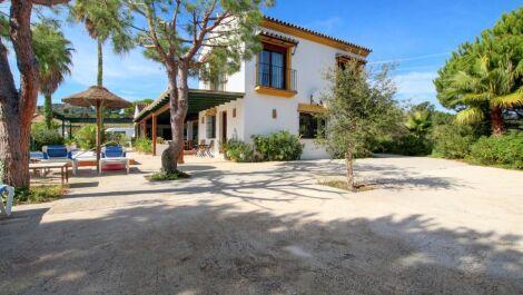 8 bedroom Finca for sale in La Mairena – R3299332