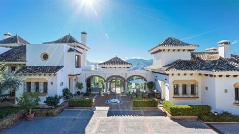 Villa de 7 dormitorios en venta en La Zagaleta – R2497187 en