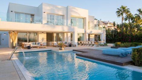Villa de 6 dormitorios en venta en Milla de Oro – R2645858
