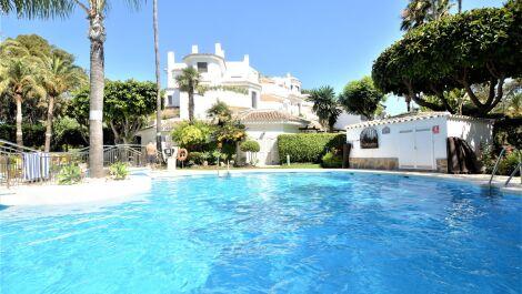 3 bedroom Apartment for sale in Elviria – R3376264