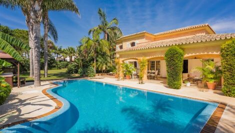 Villa de 8 dormitorios en venta en Carib Playa – R3405172 en