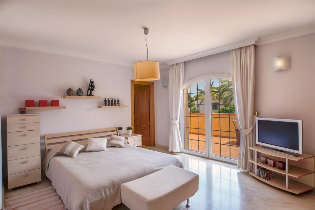 8 bedroom Villa for sale in Carib Playa – R3405172