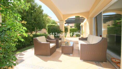 2 bedroom Apartment for sale in Elviria – R3017776