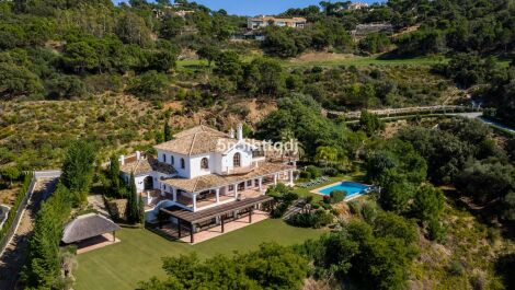 5 bedroom Villa for sale in La Zagaleta – R3209584 in