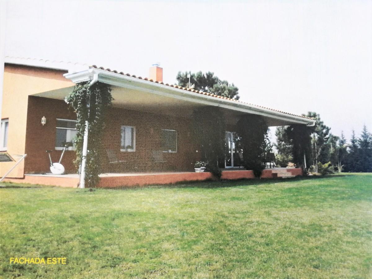 4 bedroom Finca for sale in Calahonda – R3727837
