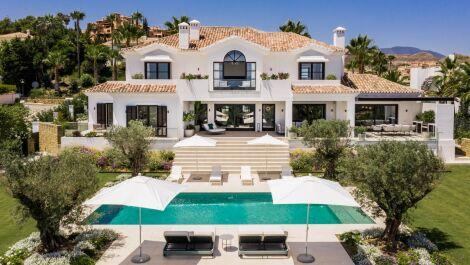 Villa de 6 dormitorios en venta en – R3743755