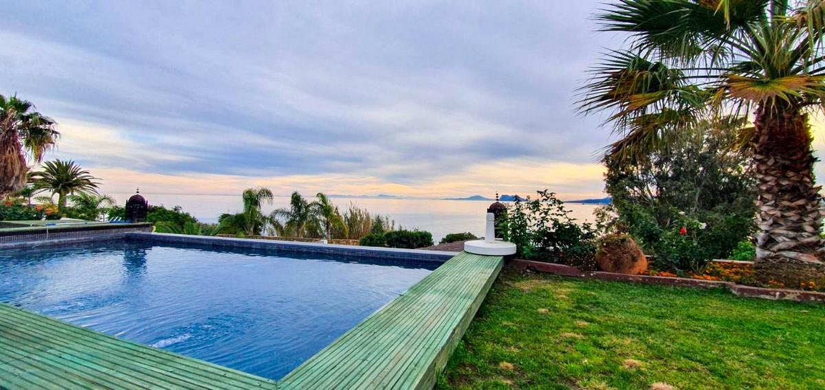 Villa de 2 dormitorios en venta en Sotogrande – R3766861