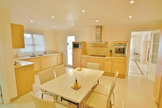 Villa de 6 dormitorios en venta en Los Flamingos – R2105756