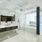 Frontline-beach-apartment-bathroom