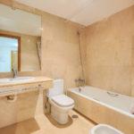 Greenlife-estates-frontline-beach-apartment-bathroom