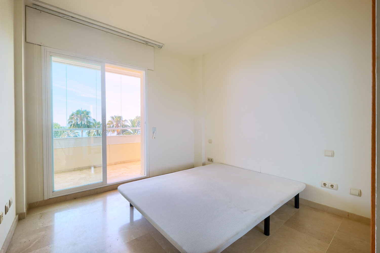 Greenlife-estates-frontline-beach-apartment-bedroom1