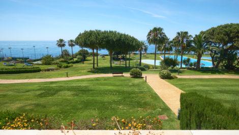 Apartamento en primera linea de playa en Marbella