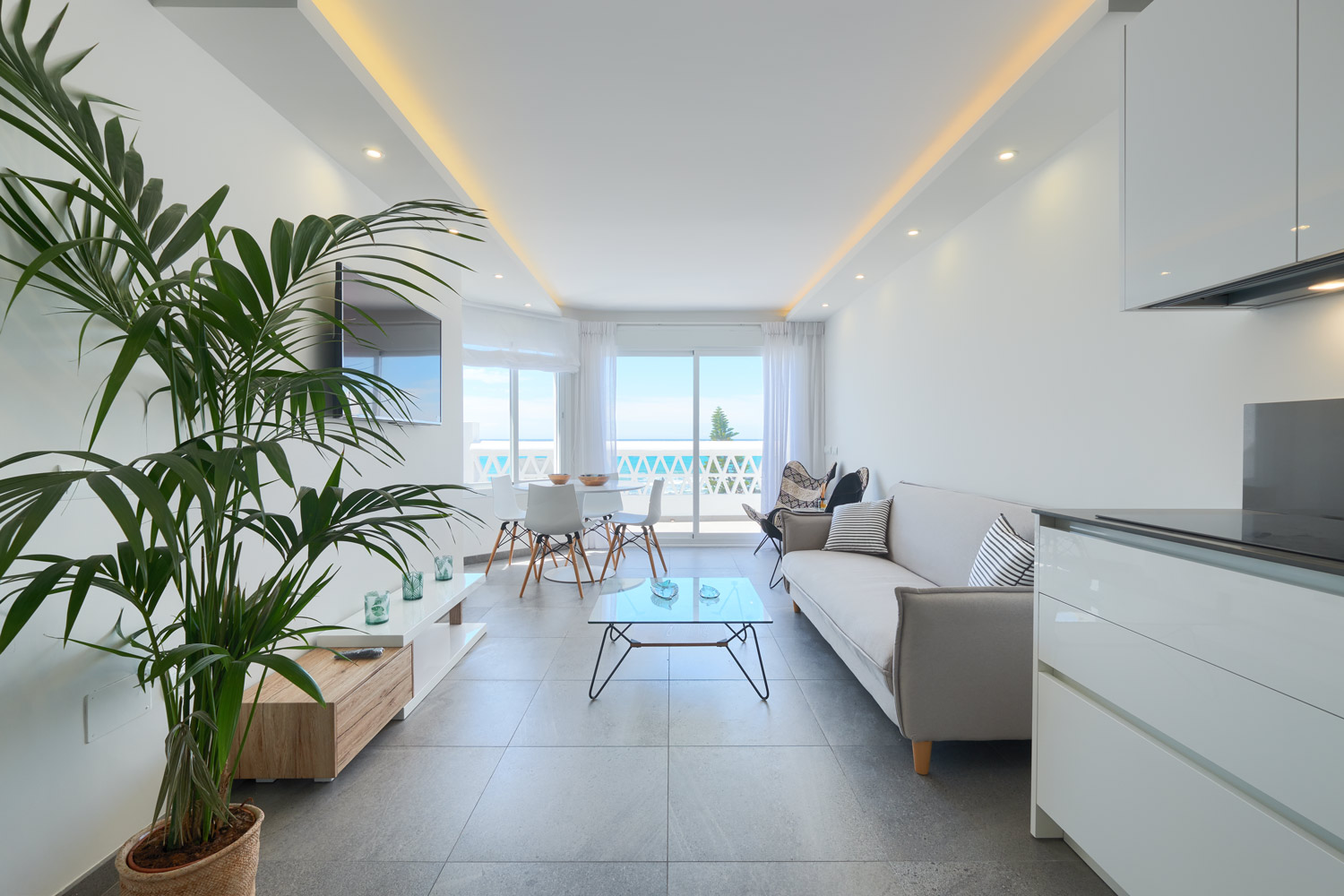 Greenlife-estates-frontline-penthouse-marbella-east-living-room