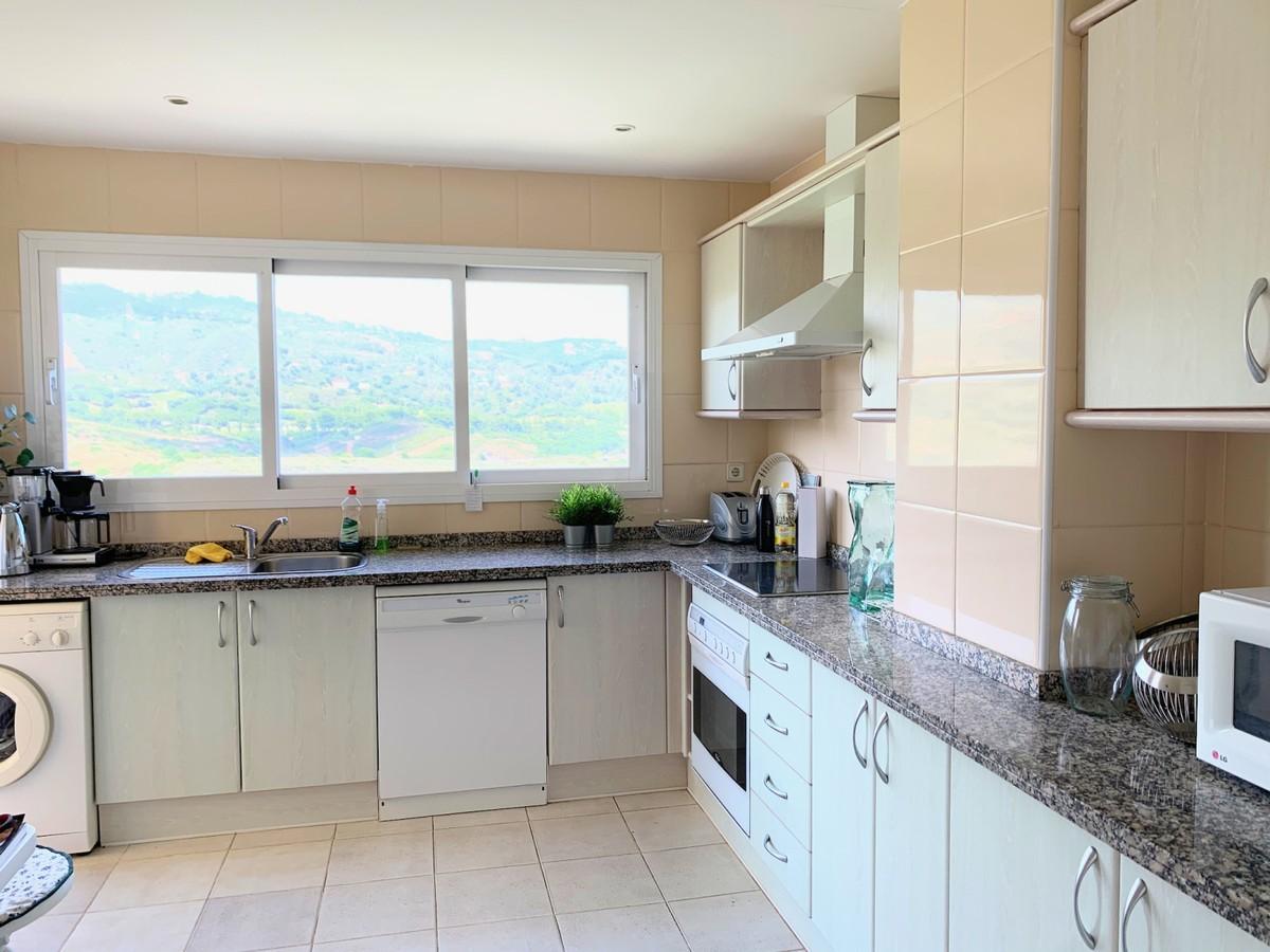 3 bedroom Apartment for sale in Elviria Hills – R3736741